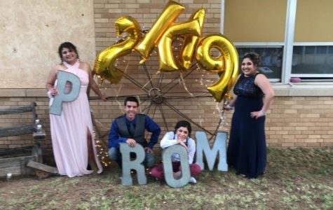 """Prom 2019 provides an """"evening under the stars"""""""