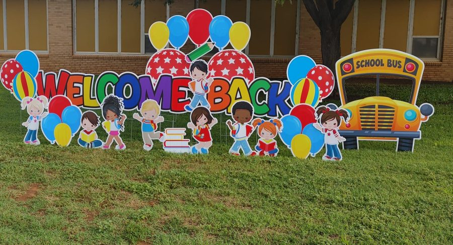Welcome back lawn decoration at the elementary school campus